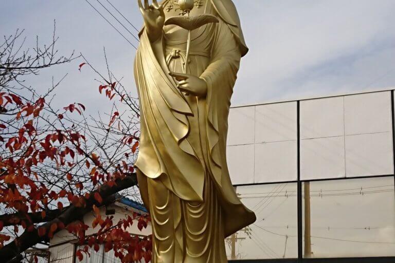 ごくらくや仏壇店の仏像